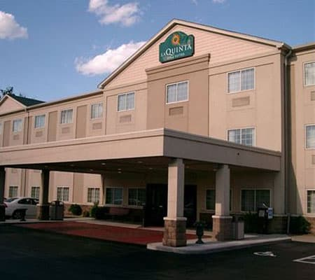 ecoblock_commercial_projects_bes_inn_Suites_kentucky2